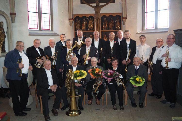 Posaunenchor Holtrup-Uffeln mit Jubilaren