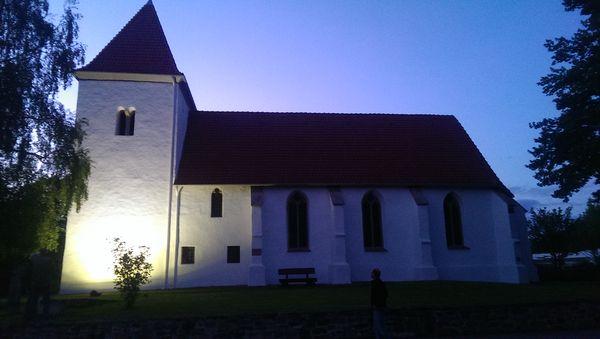 Kirche_Holtrup_Probeleuchten
